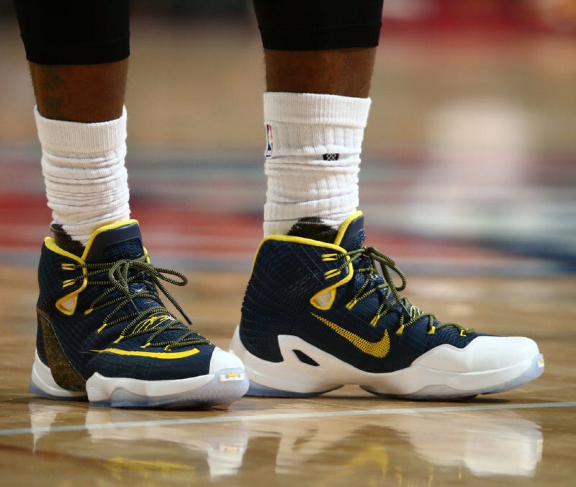 99a38f63021 60%OFF The Cleveland Cavaliers Playoff Kicks On Court ...