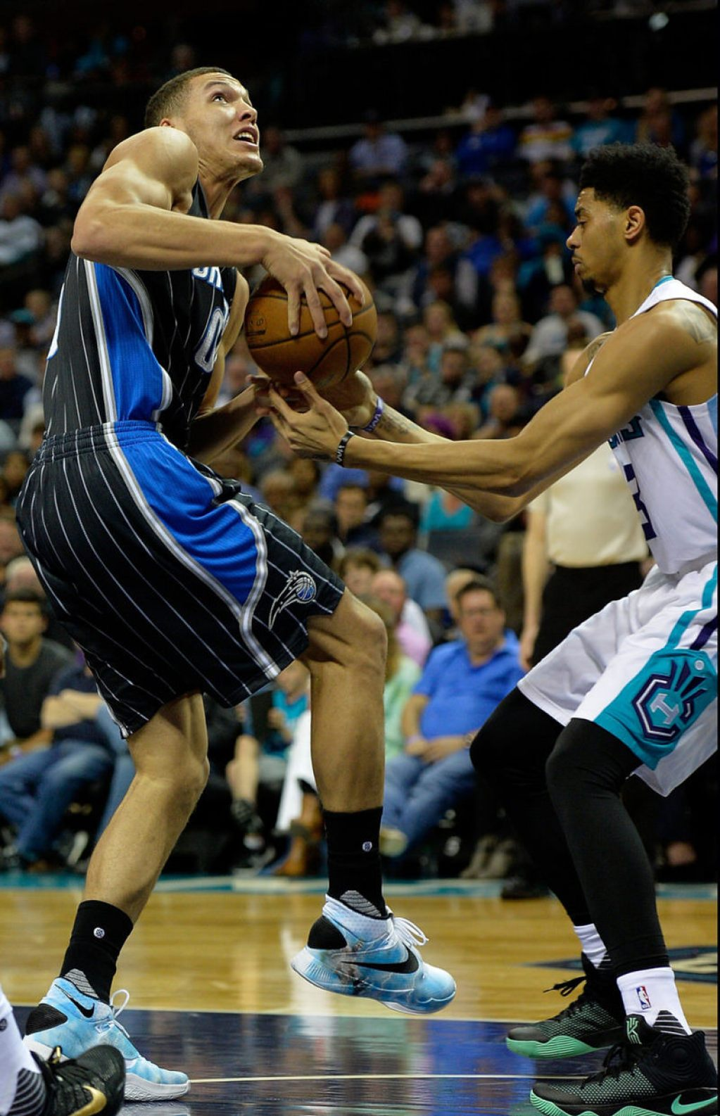 06b5094d8c96 Aaron Gordon and Jeremy Lamb in the Nike Zoom HyperRev 2016 and the ...