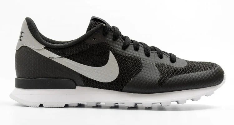 Nike Internationalist NS Black/Silver // Available Now