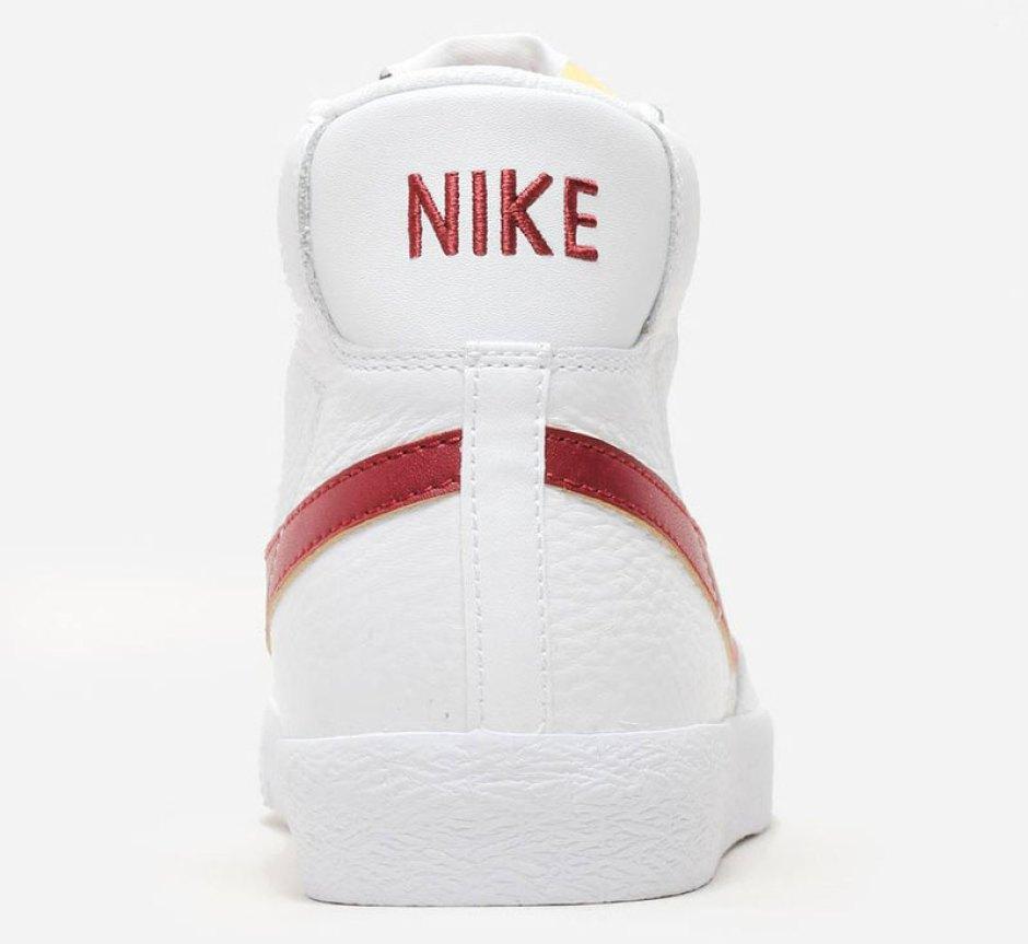 huge discount 59b7d f6b10 ... Nike Blazer Mid WhiteRed
