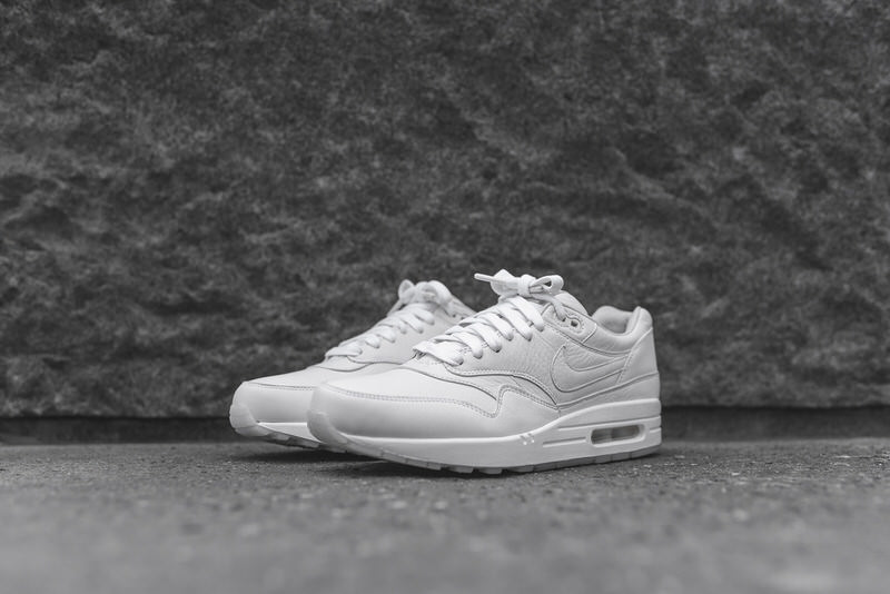 95cf620a0544 ... ebay nike air max 1 pinnacle triple white d4c8e 56097