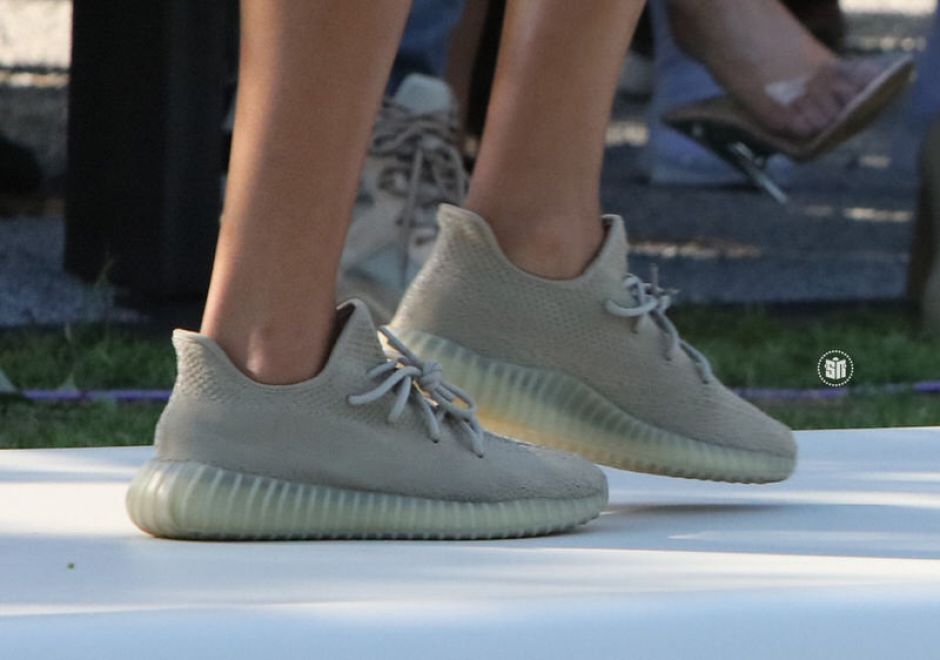 "adidas Yeezy Boost 350 V2 ""Oxford Tan"""
