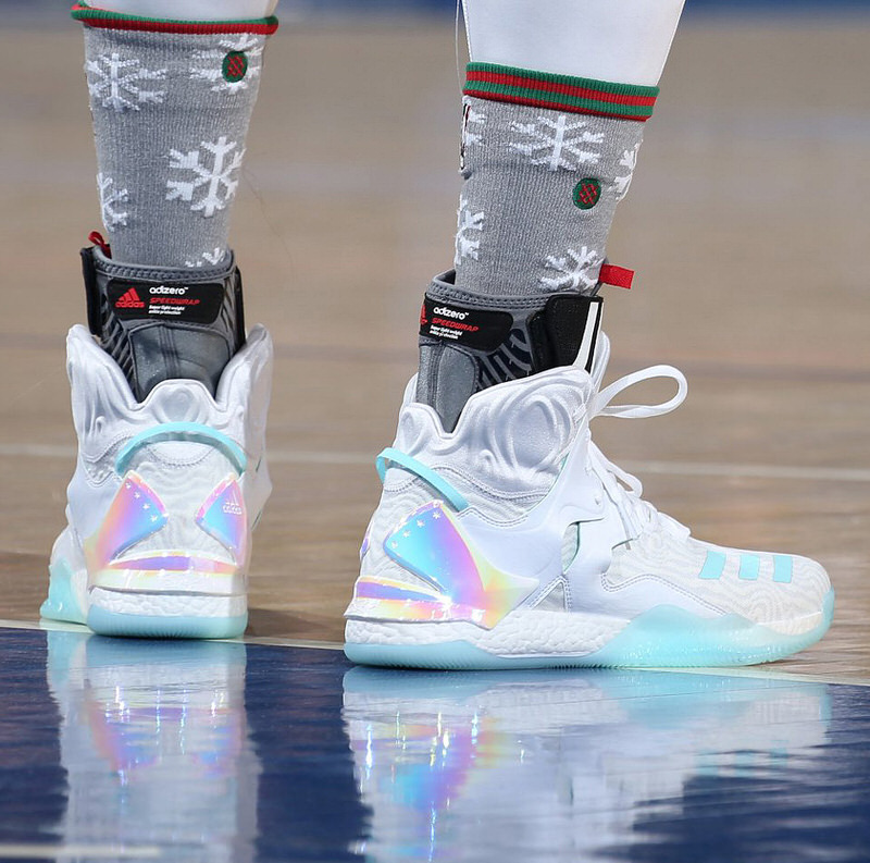 e519ca03158017 The Best Kicks On Court Worn On Christmas Day