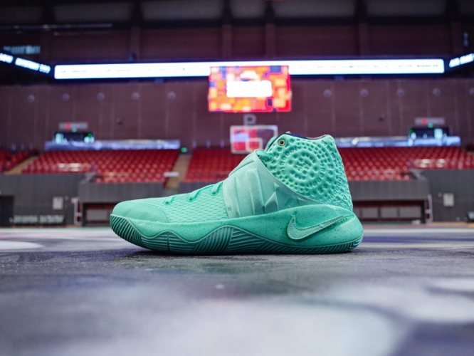 """Nike Kyrie 2 """"What the"""""""
