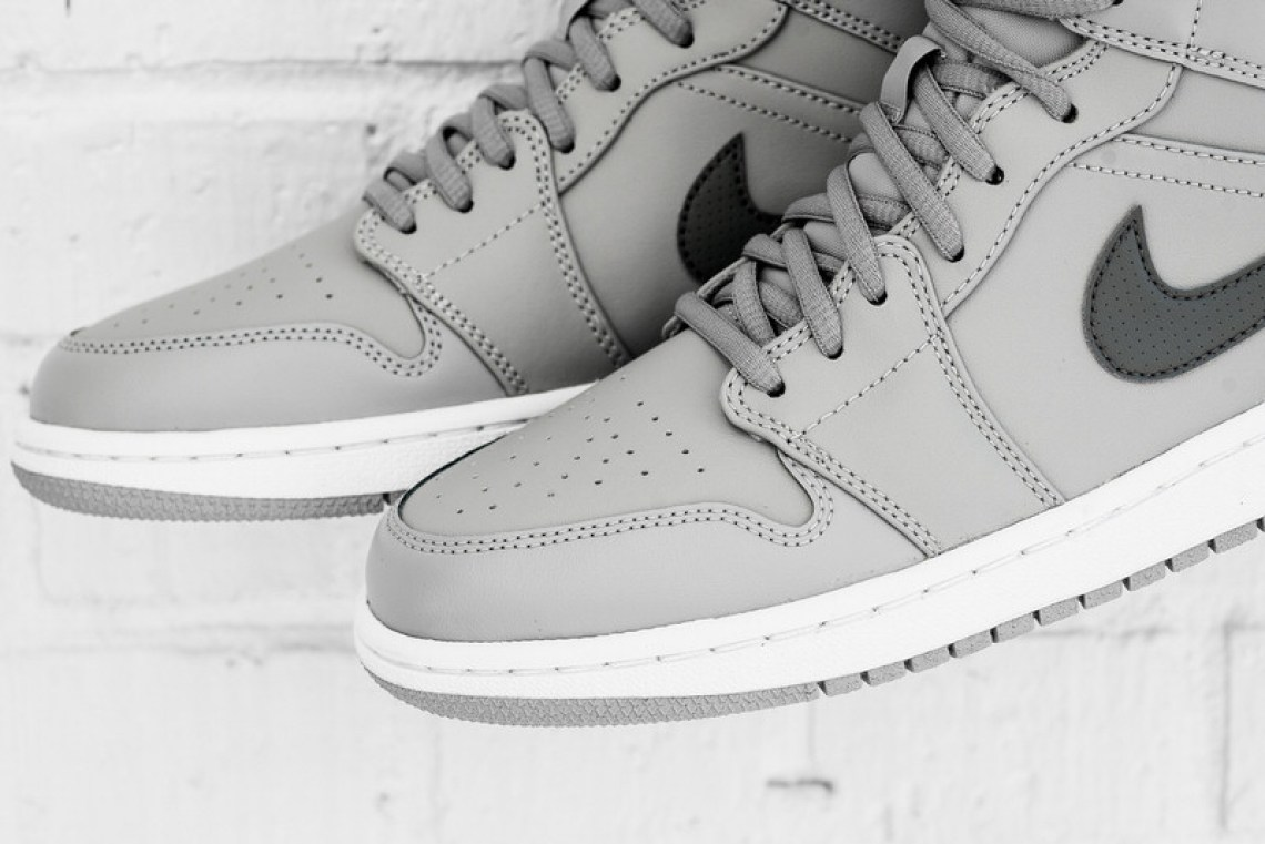 d9139ecf251f4e Air Jordan 1 Mid Wolf Grey Cool Grey    Available Now