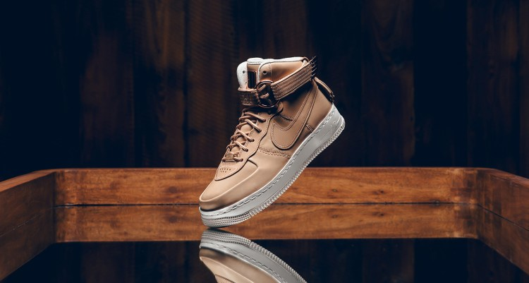 434b4598f749 Nike Air Force 1 High Sport Lux