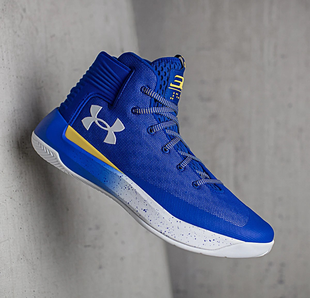 45e239bedc Just The Facts // Inside Stephen Curry's Under Armour Curry 3Zer0 Playoff  Shoe