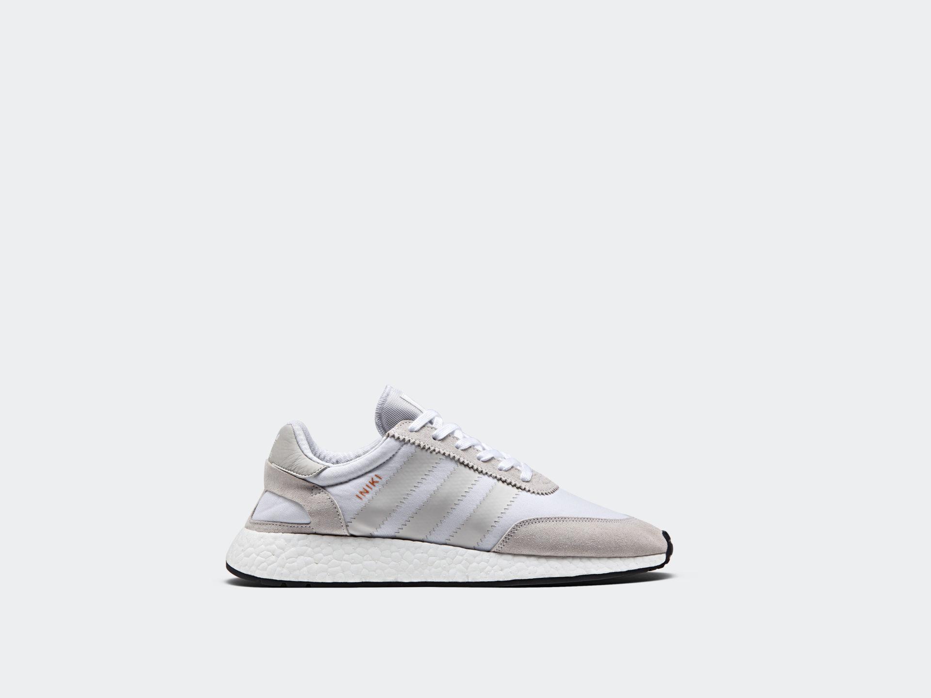 Adidas está lanzando más Vintage Iniki - inspired colorway este Iniki Vintage Runner 17edac