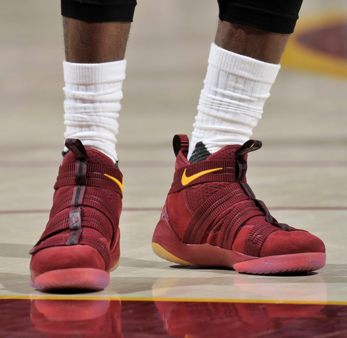 d4bce01d88f LeBron James Debuts Nike Zoom Soldier 11    Kicks On Court
