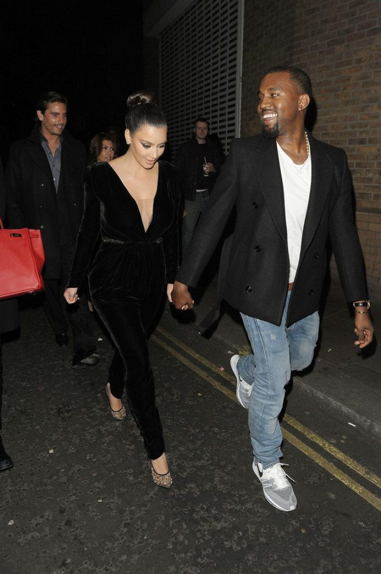 8053c7d6608 ... Kanye West in the Nike Flyknit Trainer