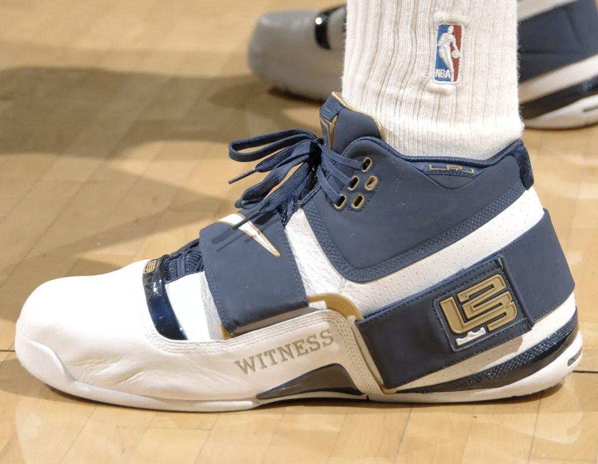 kd shoes 4 lebron james shoes for boys