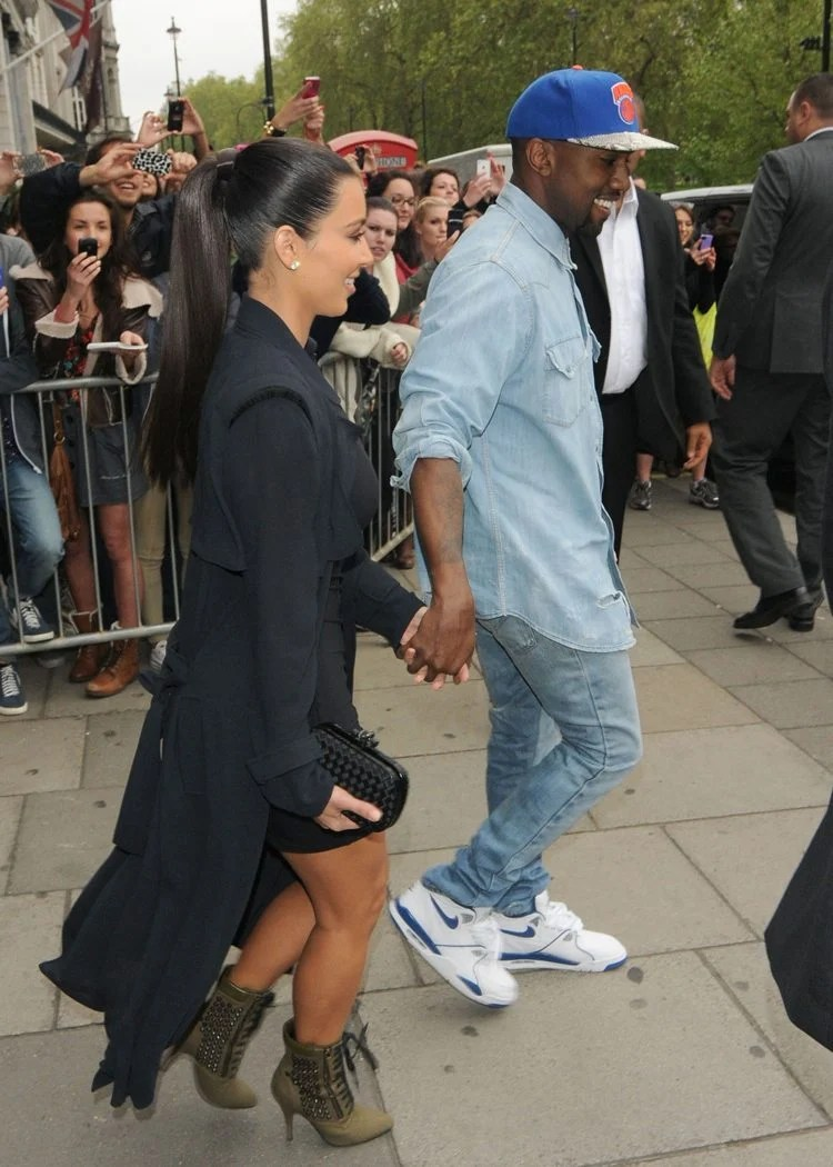 c8c6244007328 ... Kanye West in the Nike Air Flight 89 ...