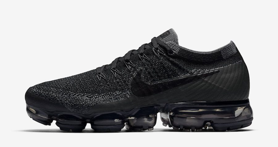 "Nike Air VaporMax ""Triple Black"""