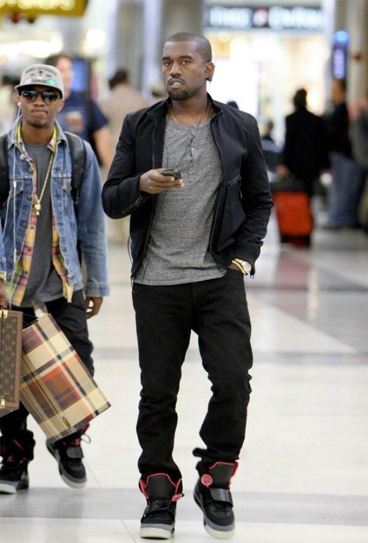 ... Kanye West in the Nike Air Yeezy 1 c467d9776b17