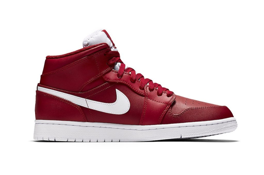 "Air Jordan 1 Mid ""University Red"""