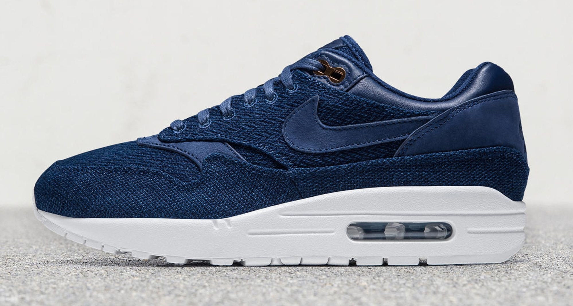 f8c7d19b401 London Cloth Partners with Nike for Indigo Denim Women s Collection ...