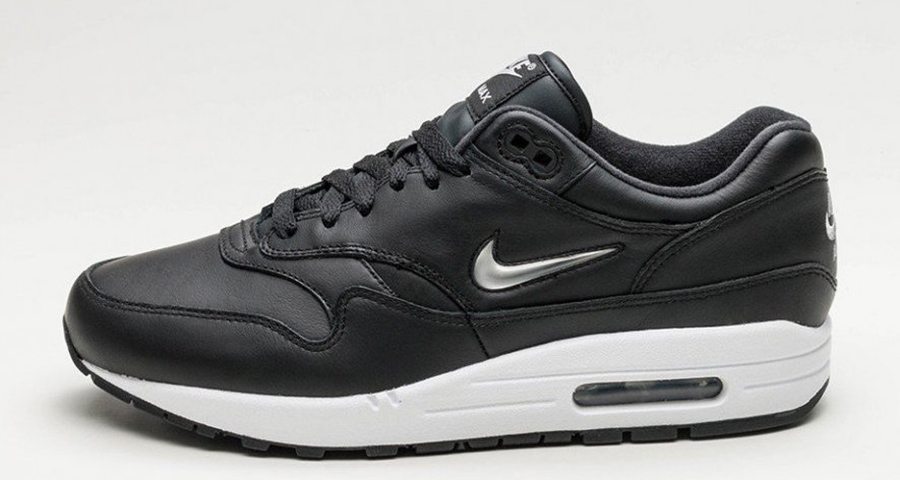 outlet store 074c5 34e06 Nike Air Max 1 Jewel Gets Metallic Silver Swoosh