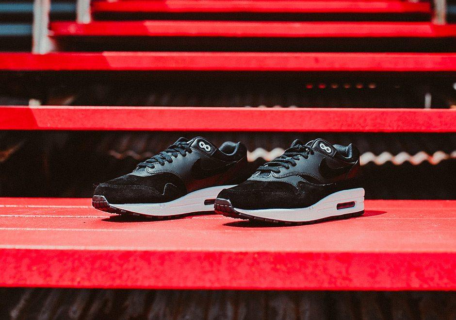 56ab2144e4 Nike Air Max 1