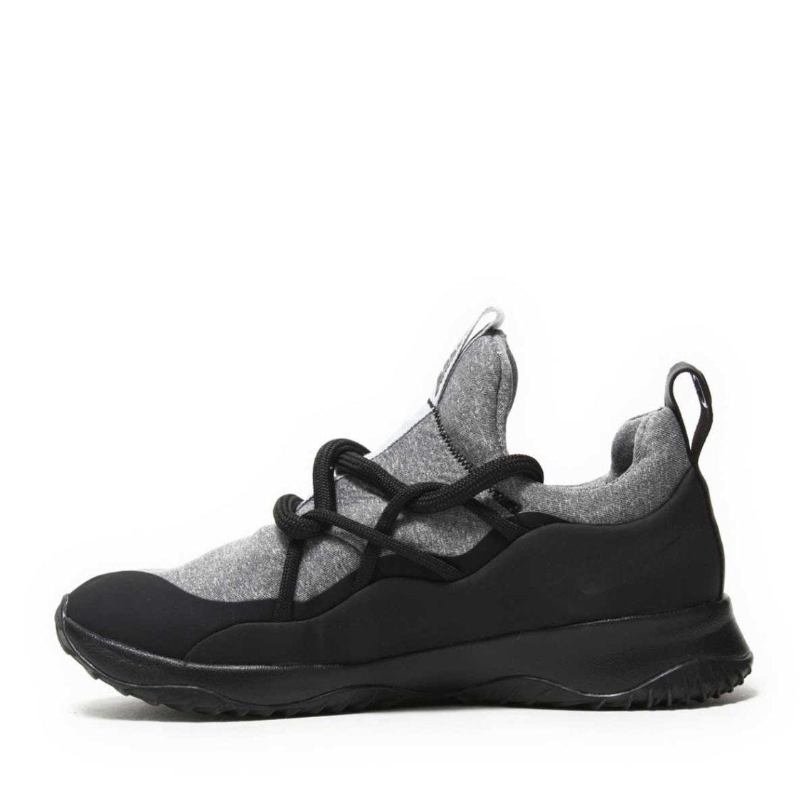 af06810d32bc Nike Sportswear Dresses All-New City Loop Shoe in Tech Fleece