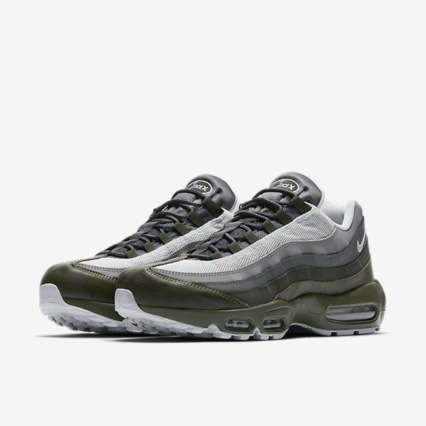 best sneakers 54b87 1adba Nike Air Max 95 Essential