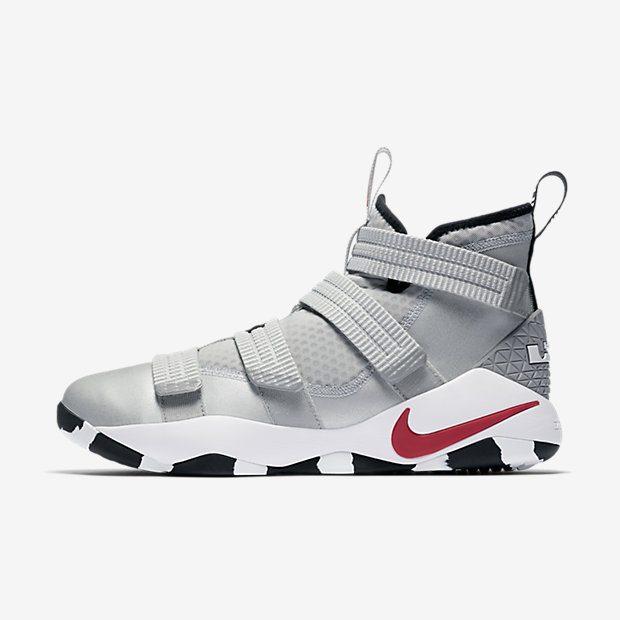 3ad557212c76 Nike LeBron Solider 11