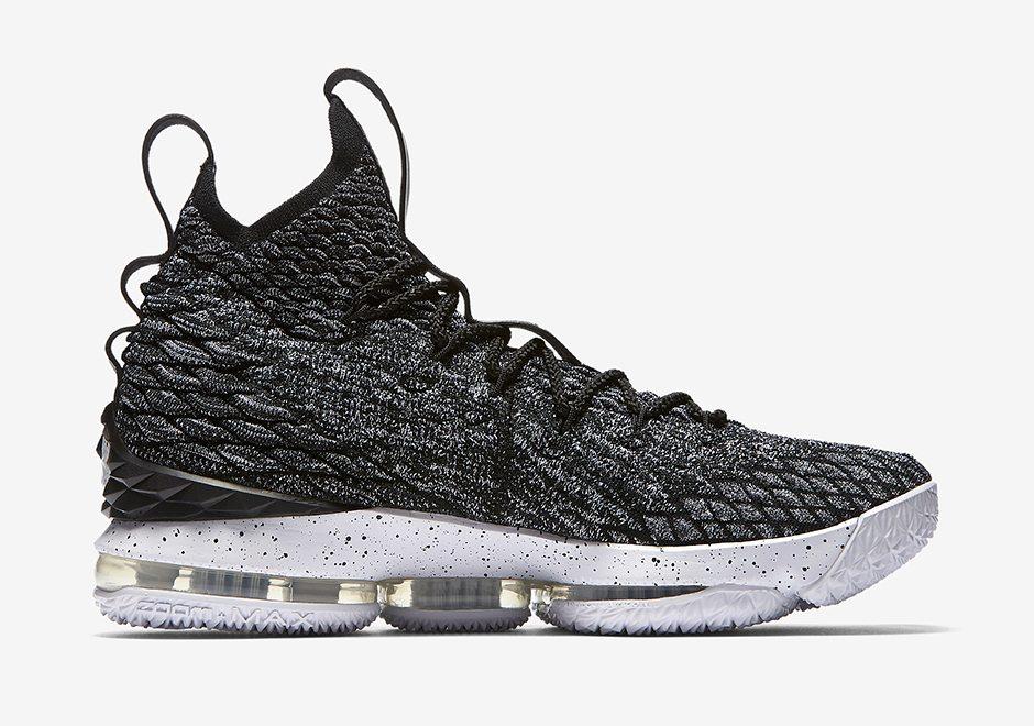 Nike LeBron 15 Sneakers