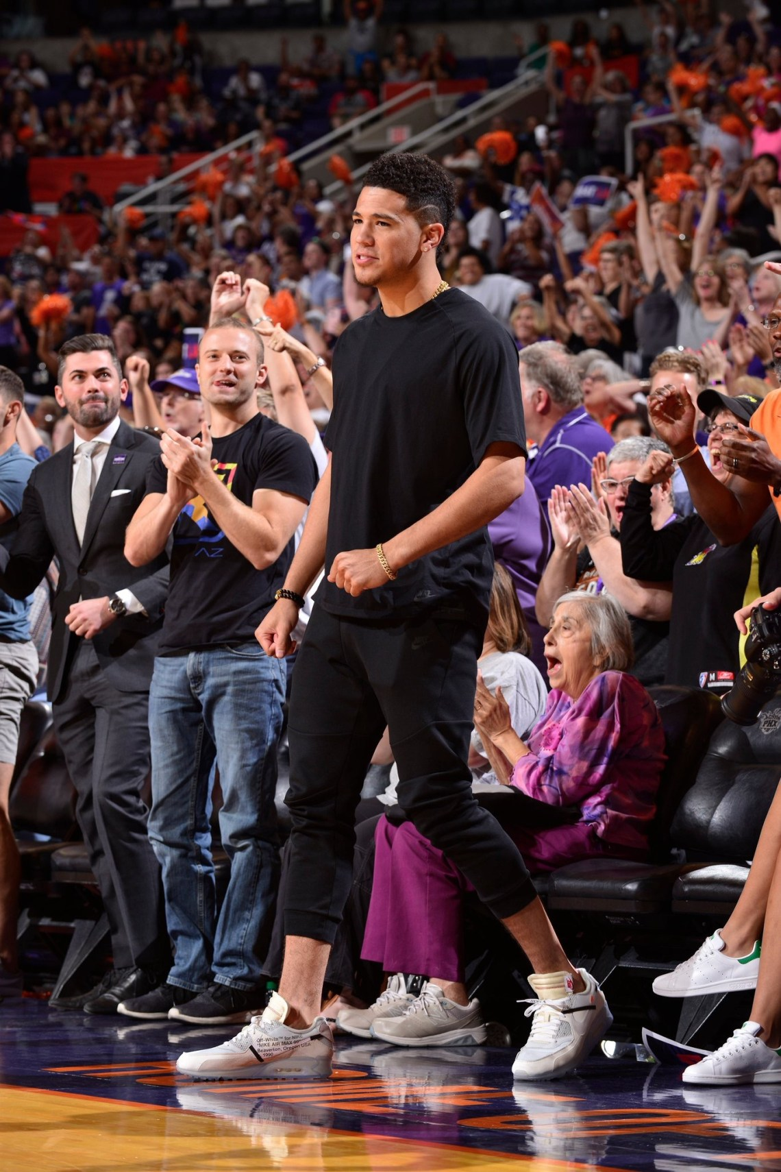 7bccf10d8edc Off-White x Nike Air Max 90. Devin Booker  ...