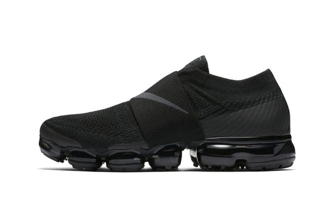 "Nike Air VaporMax Moc ""Triple Black"""