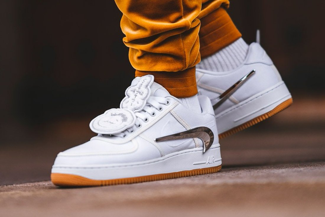 timeless design 71d4e 2c709 A Closer Look at the Travis Scott x Nike Air Force 1 | Nice ...
