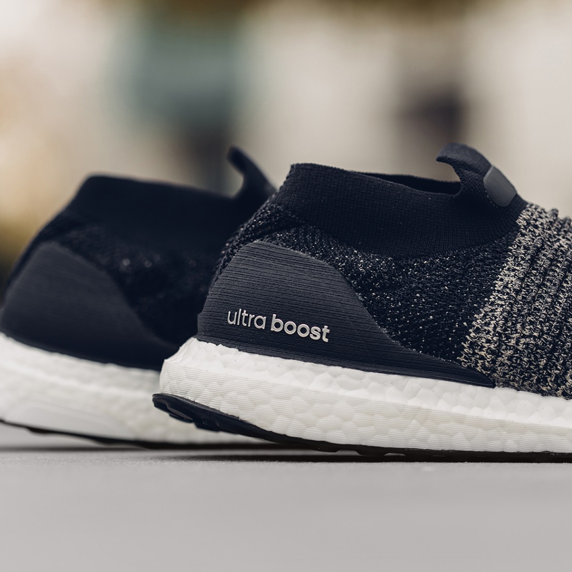 "Adidas UltraBoost Laceless ""Legend Ink/Raw Gold"""