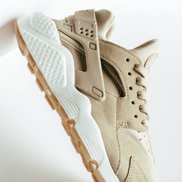 9ff7a45f77290 Nike Air Huarache Run SD
