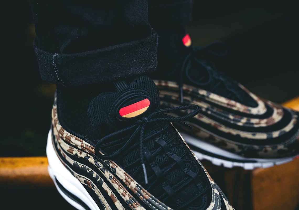 check out 28f79 a8bdf nike air max german camo