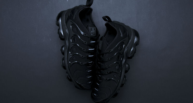 "8b79bce6e794c Nike Air VaporMax Plus ""Triple Black""    Another Look"