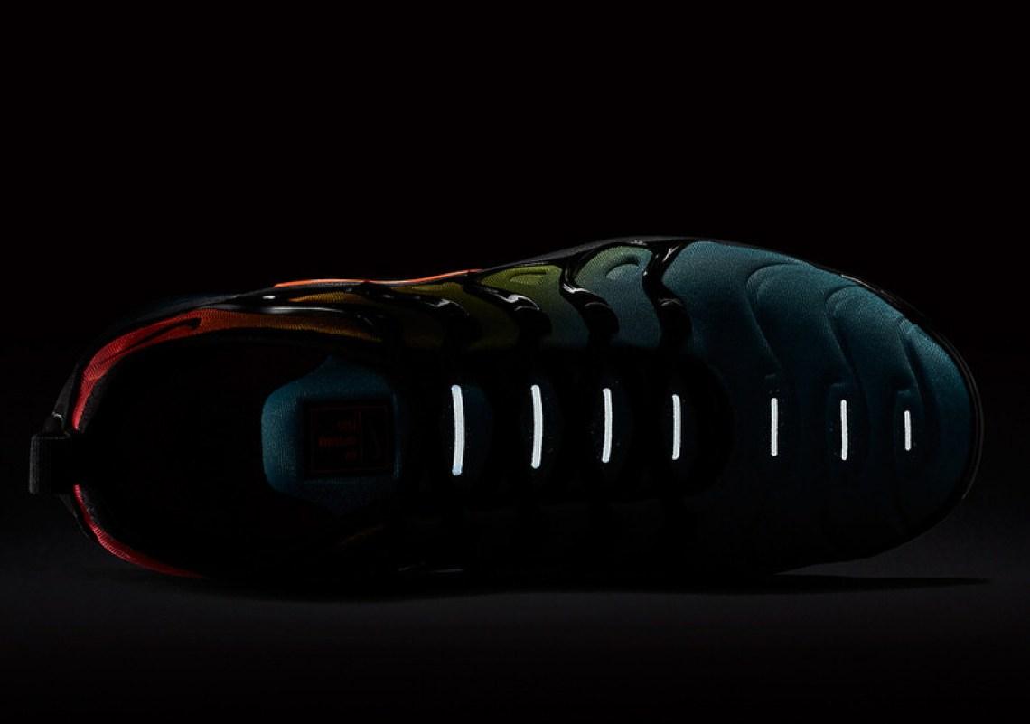 low priced 7bc5b c4250 Nike Air VaporMax Plus