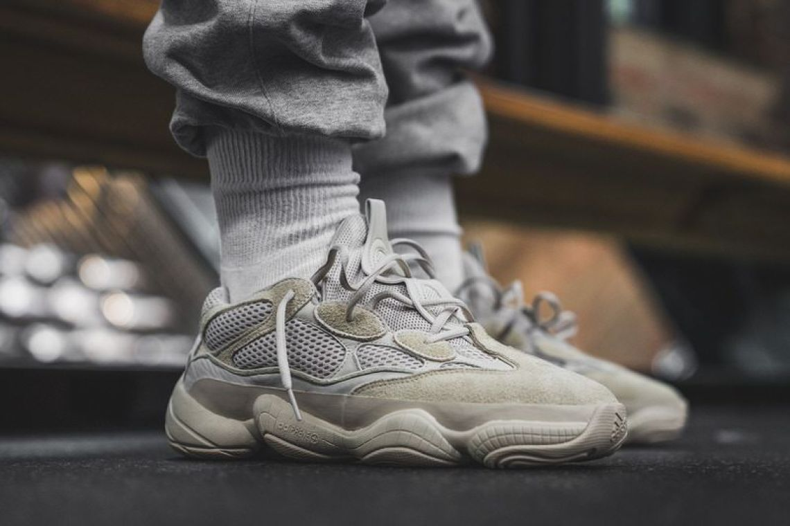 finest selection f7977 ab825 YEEZY Desert Rat 500