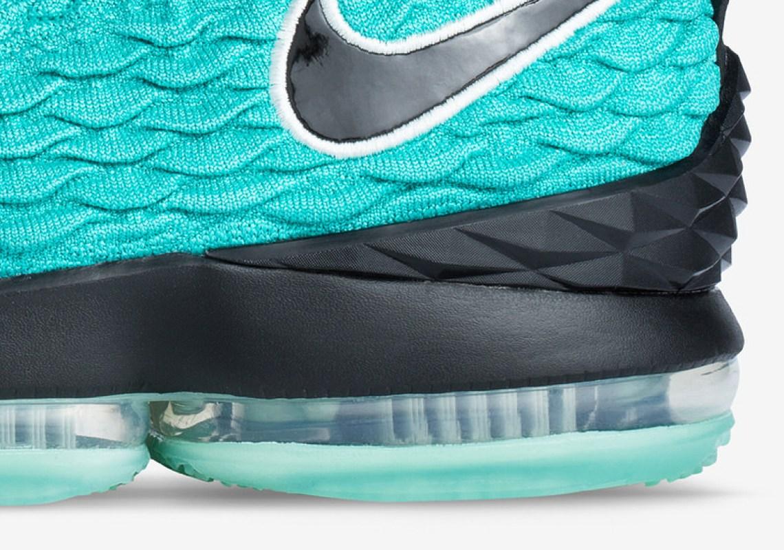 a249833b96cc Nike LeBron 15