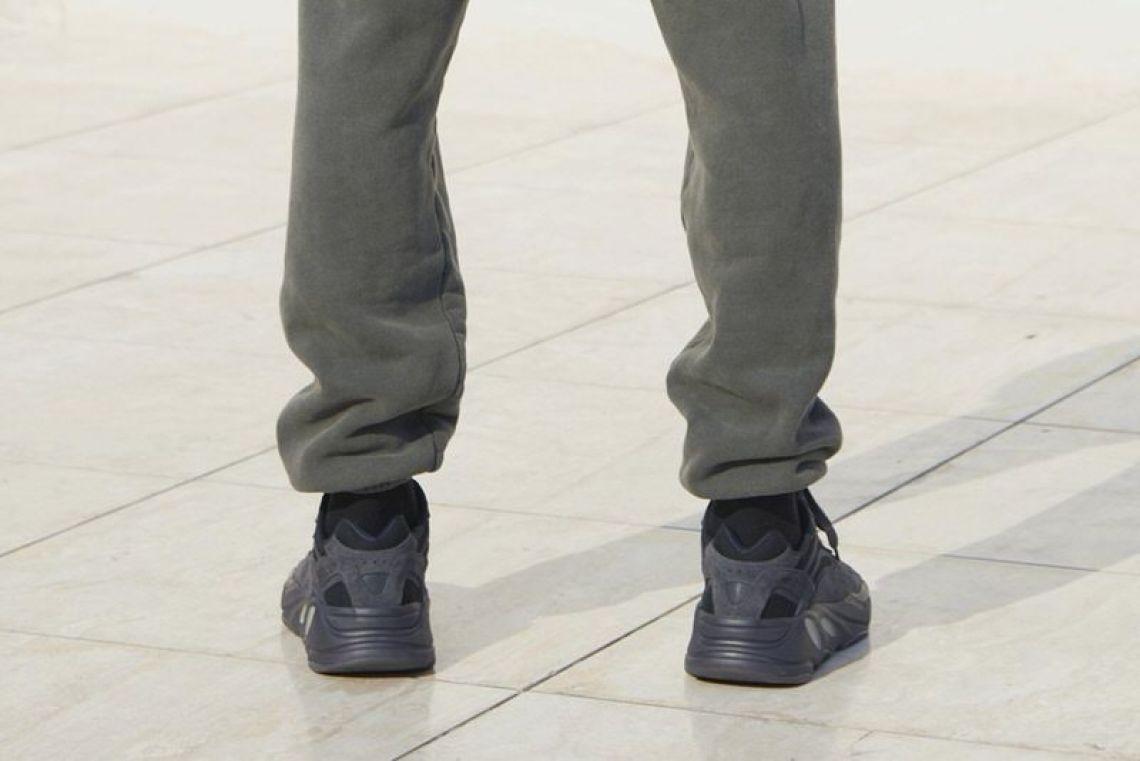 "adidas Yeezy 700 ""Utility Black"""
