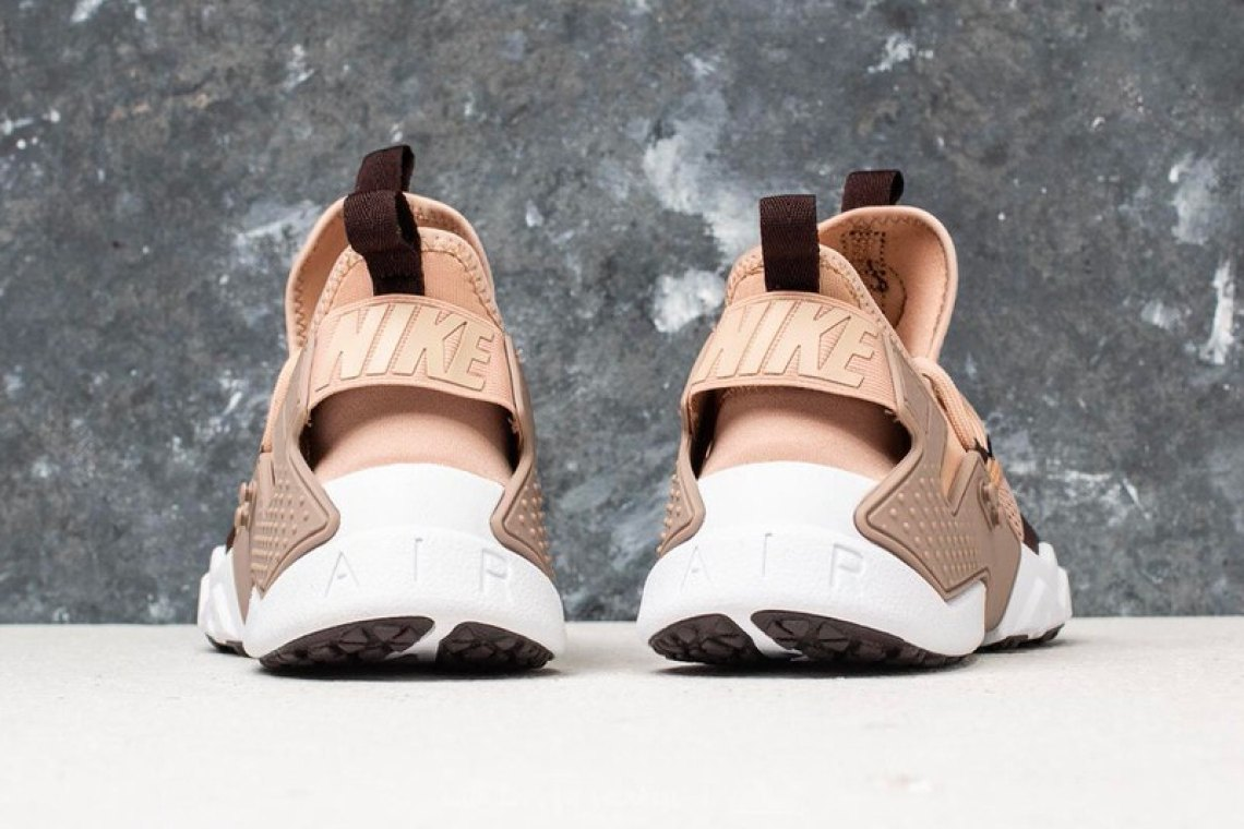 dba2b7b34670 Both colorways of the Nike Air Huarache Drift Breathe are available now for  €136 EUR (~ 162 USD) each at Footshop. Check out the details below and let  us ...