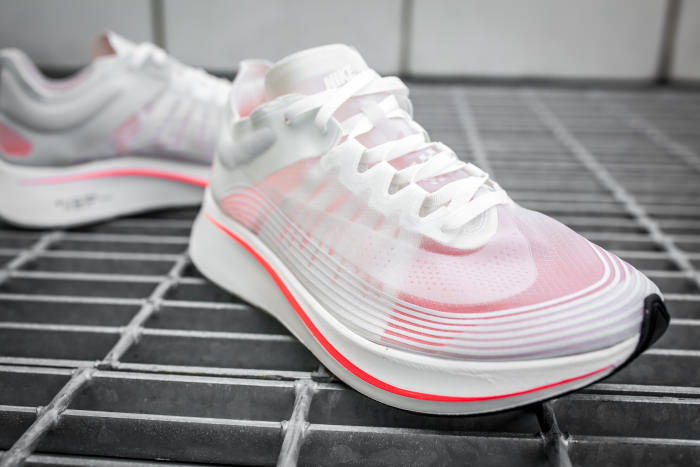 bf0c67886c1aa Nike Zoom Fly SP
