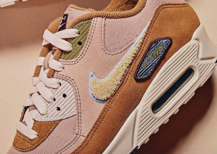new arrival 59a67 44f66 ... Nike Air Max 90 Premium SE Varsity Pack ...