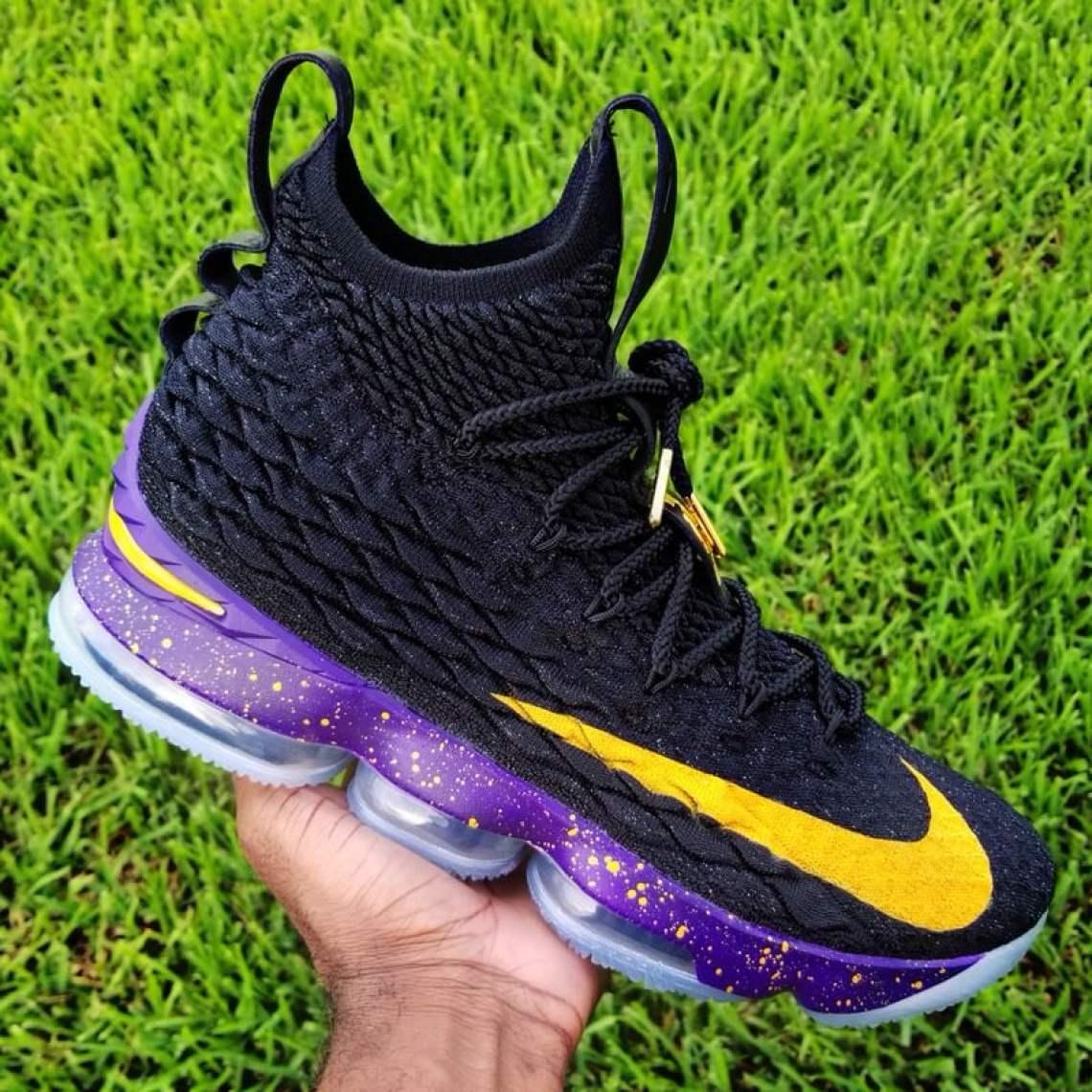3692383982a Nike LeBron 15 Boys  Preschool Nike Basketball