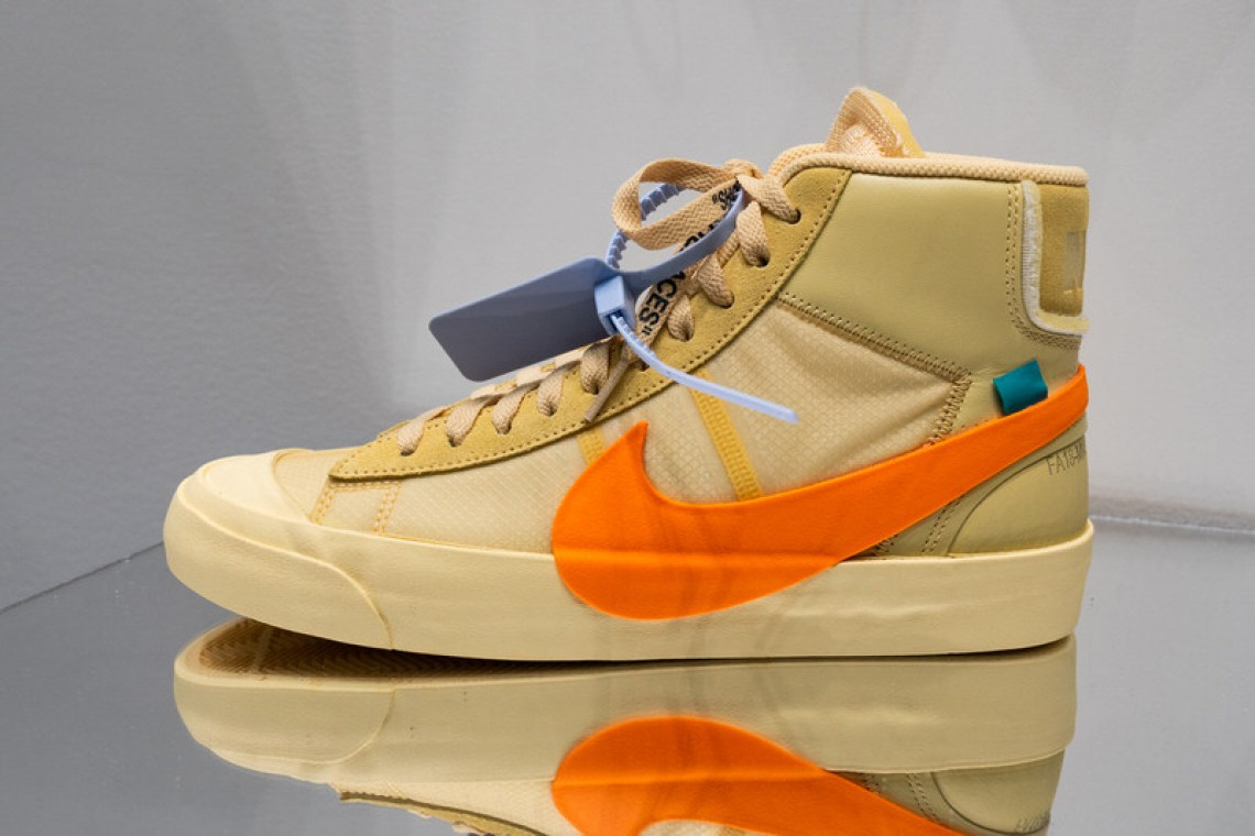 "7627b7528e62 Off-White x Nike Blazer ""Spooky Pack""    Closer Look"