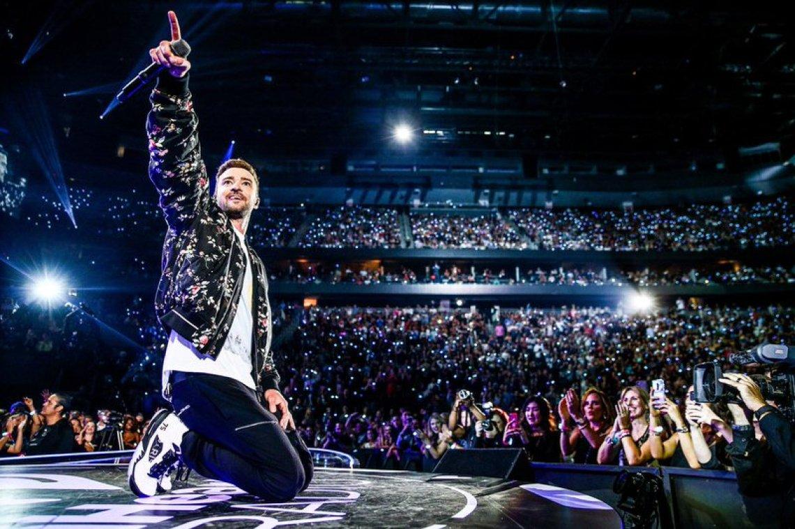 Justin Timberlake in the PSG x Air Jordan 5 Retro F&F