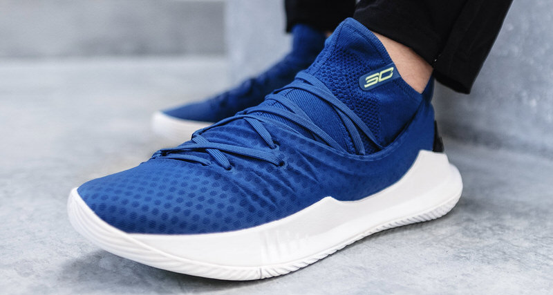 88dfff369 Under Armour Curry 5 Takes to Bay Blue for