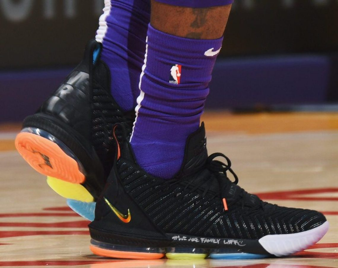 "e927b080a4789 LeBron James in the Nike LeBron 16 ""I Promise"" PE (via Andrew D.  Bernstein NBAE via Getty Images)"