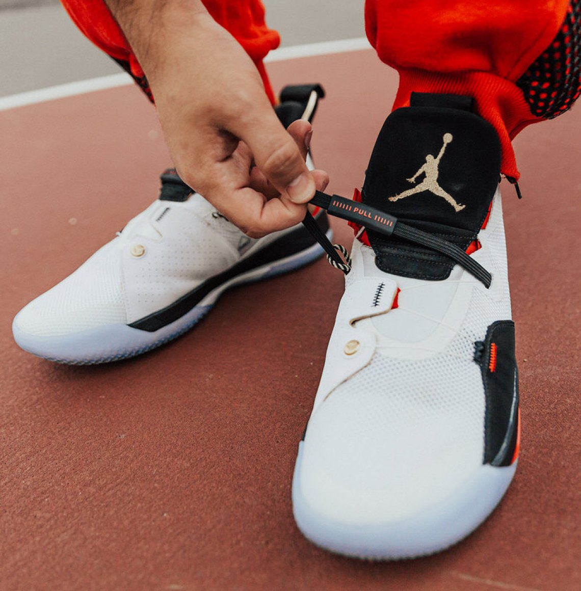 1a1630d3ea9af1 Turning Back the Clock in the Air Jordan 33