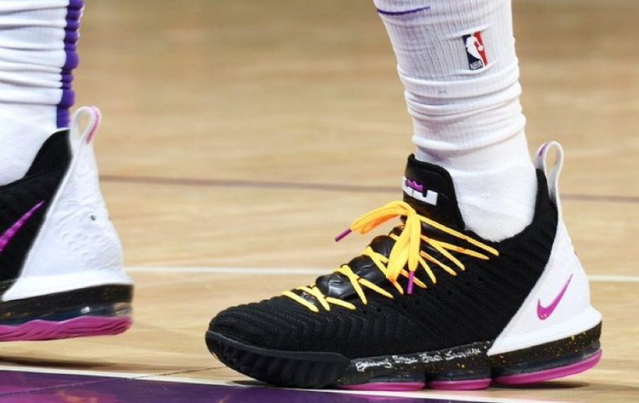 42555f73ecd LeBron James in the Nike LeBron 16 PE vs. Miami Heat (Andrew D.  Bernstein NBAE via Getty Images) ...