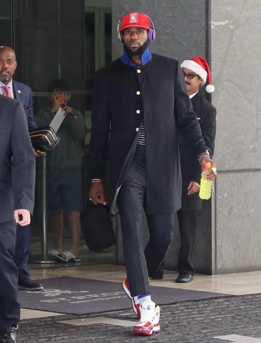 """efae31b04a4 ... LeBron James in the Nike LeBron 3 """"Superman"""""""