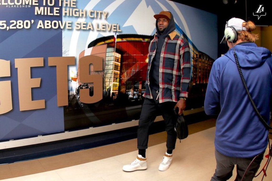 Lebron James in the ACW x Nike Air Force 1 High