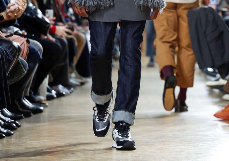 COMME des GARÇONS Reveals New Balance Collaboration During Paris Fashion Week